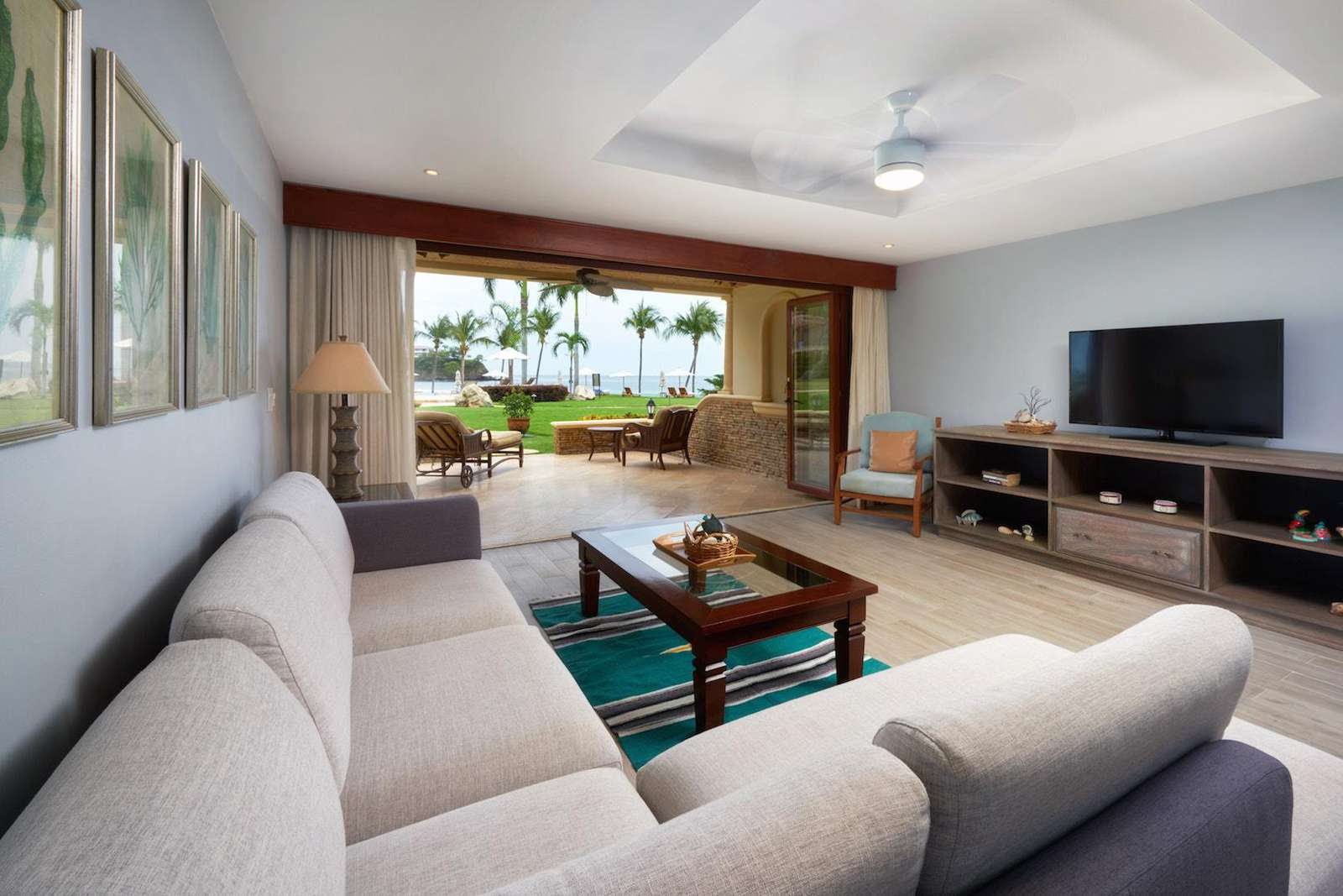 Spacious living area, oceanfront views