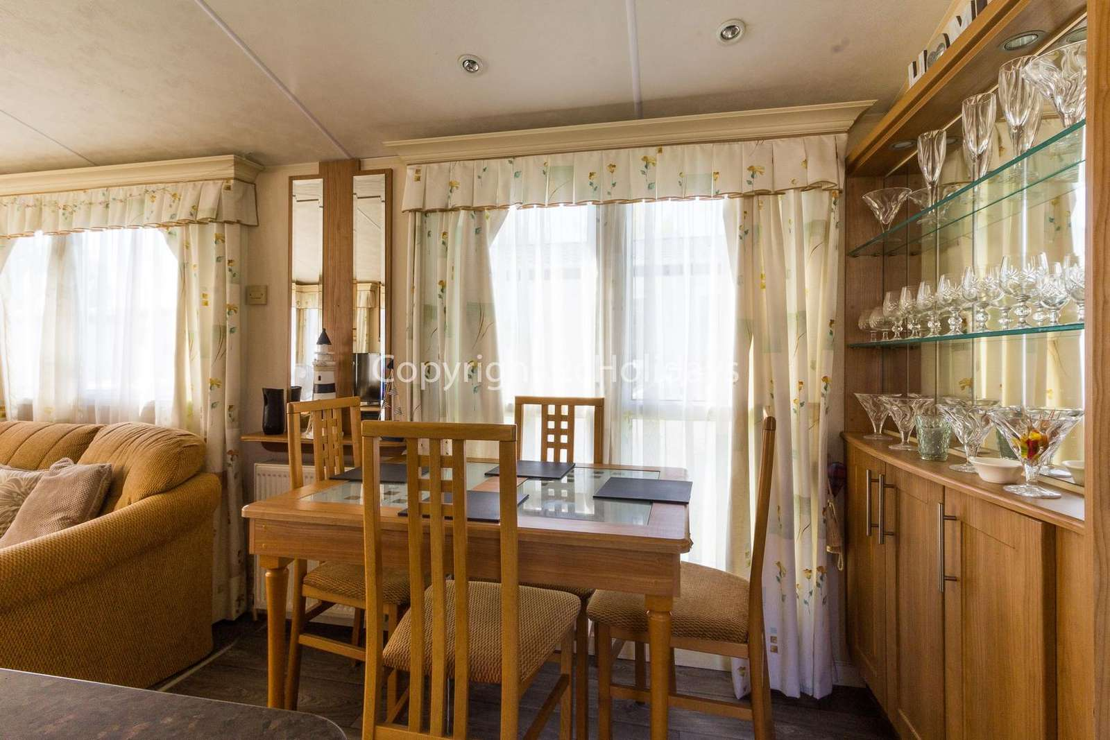 Great place to dine with your family or friends in this self-catering holidays!