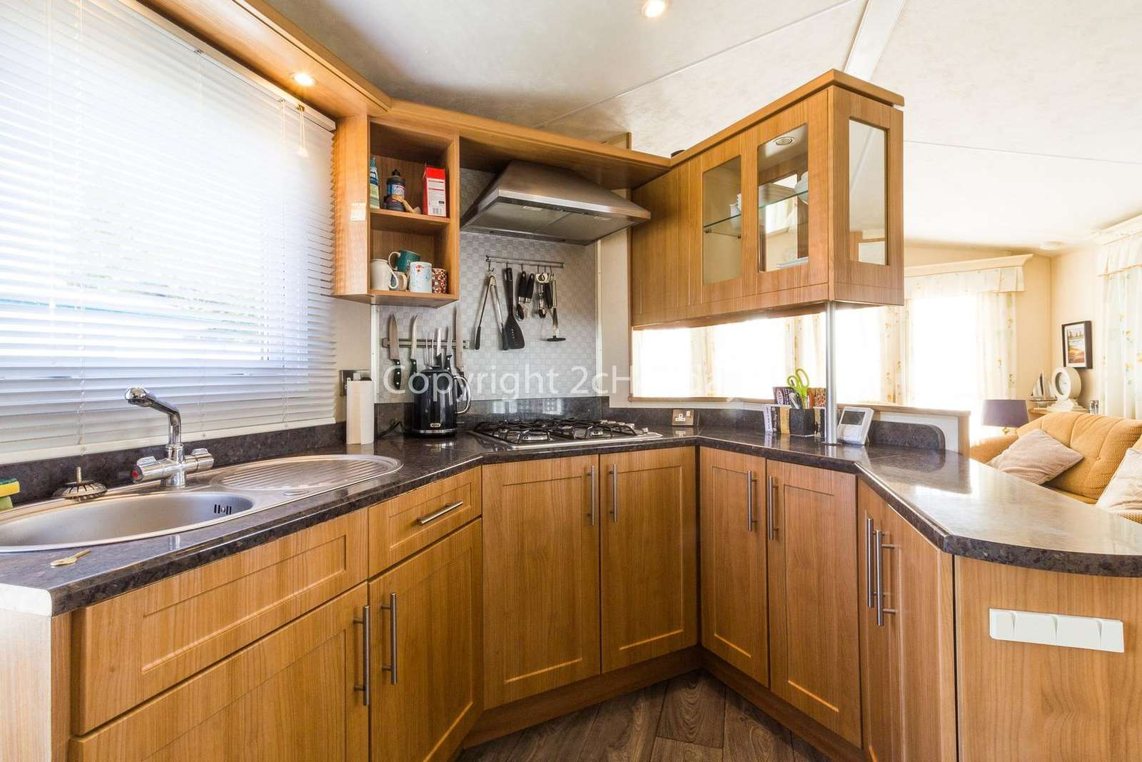 Great size kitchen with a built in oven!