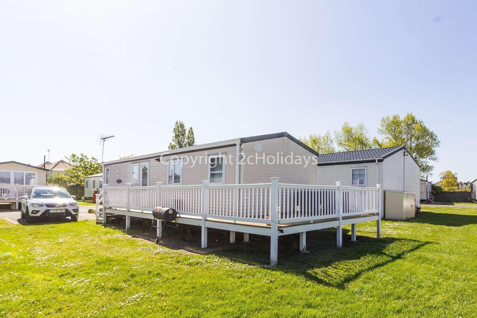Luxury caravan in a great location near to Clacton Pier