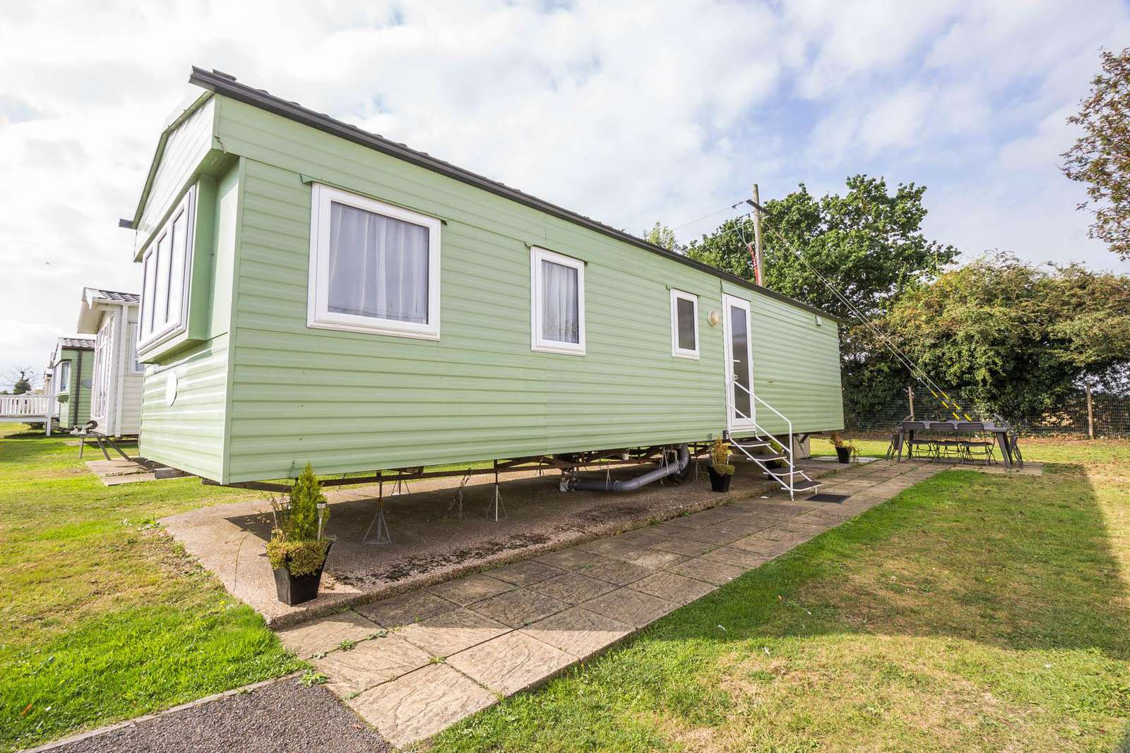 70549C – Cherry, 3 bed, 8 berth caravan with double glazing. Emerald rated. - property