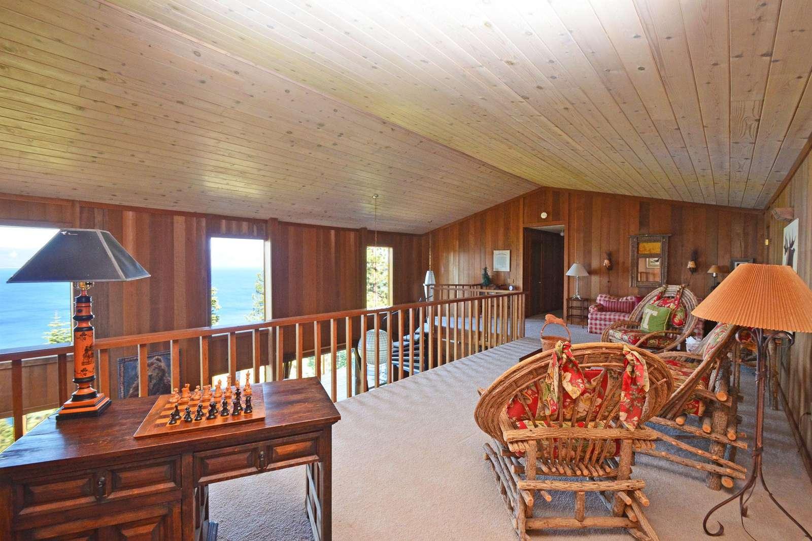 Large Loft with Views of Lake Tahoe