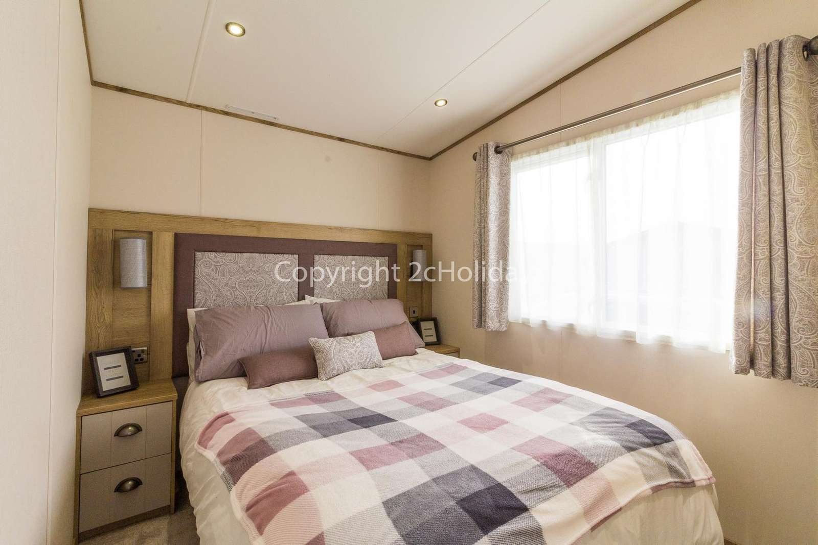 Affordable holidays in Norfolk with 2cHolidays