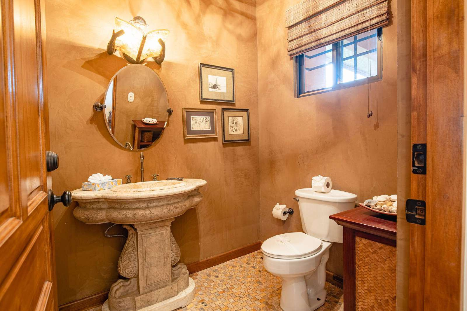 Guest bathroom, off main entry