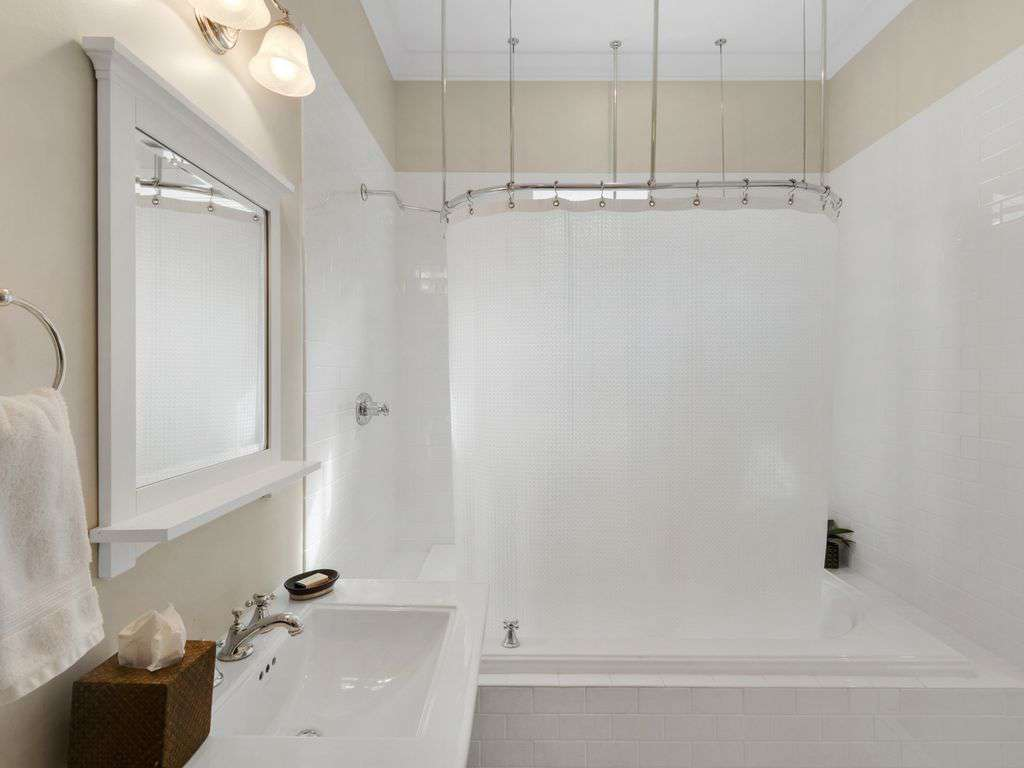 Tub/Shower Combination