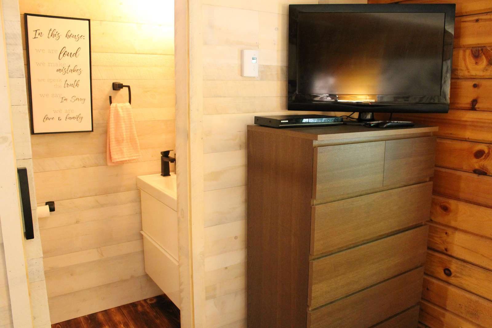 Master bedroom powder room