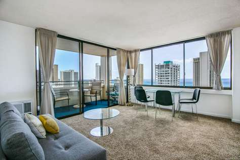 Sky Tower Waikiki 3003