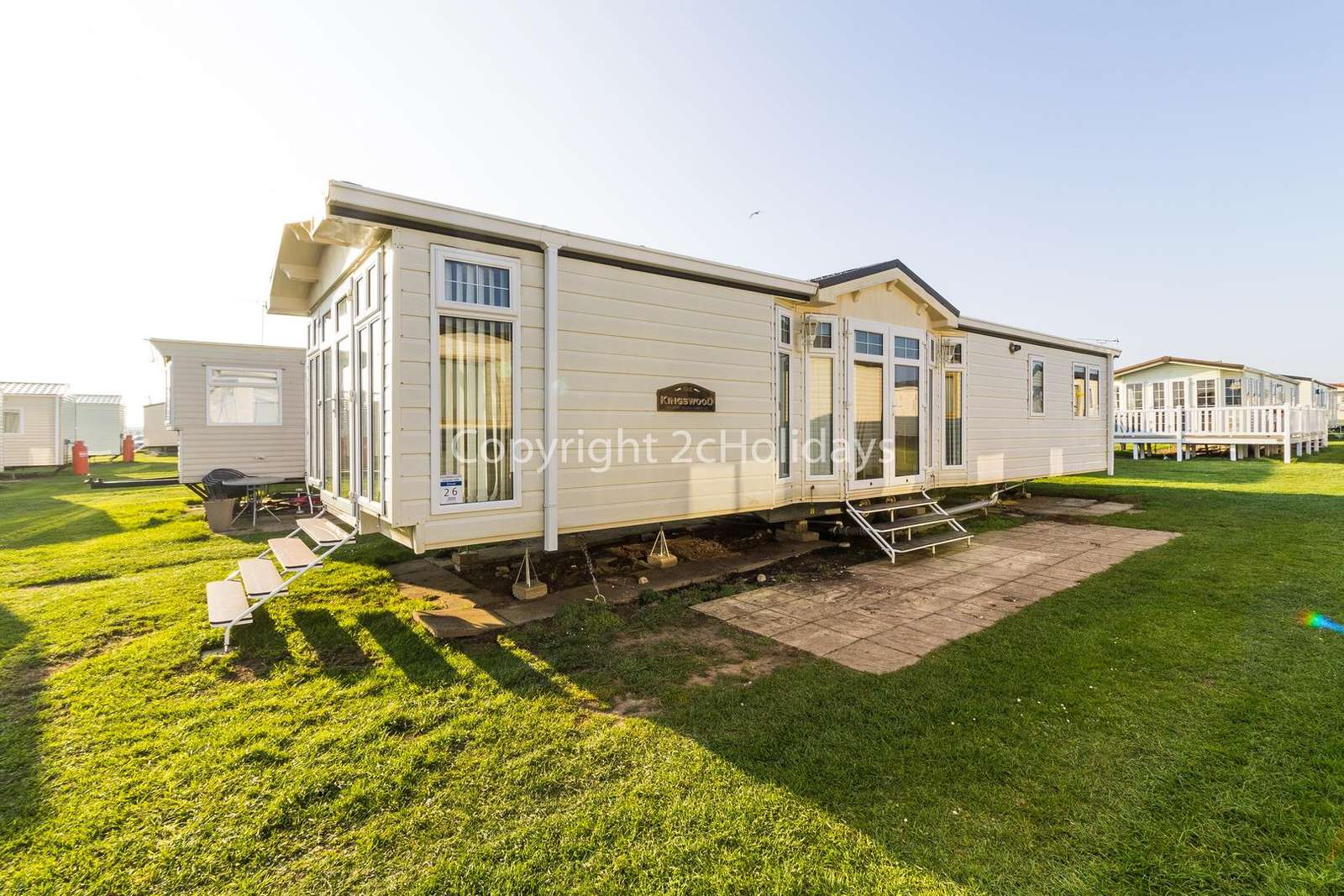 Only a short walk from Scratby beach! - property