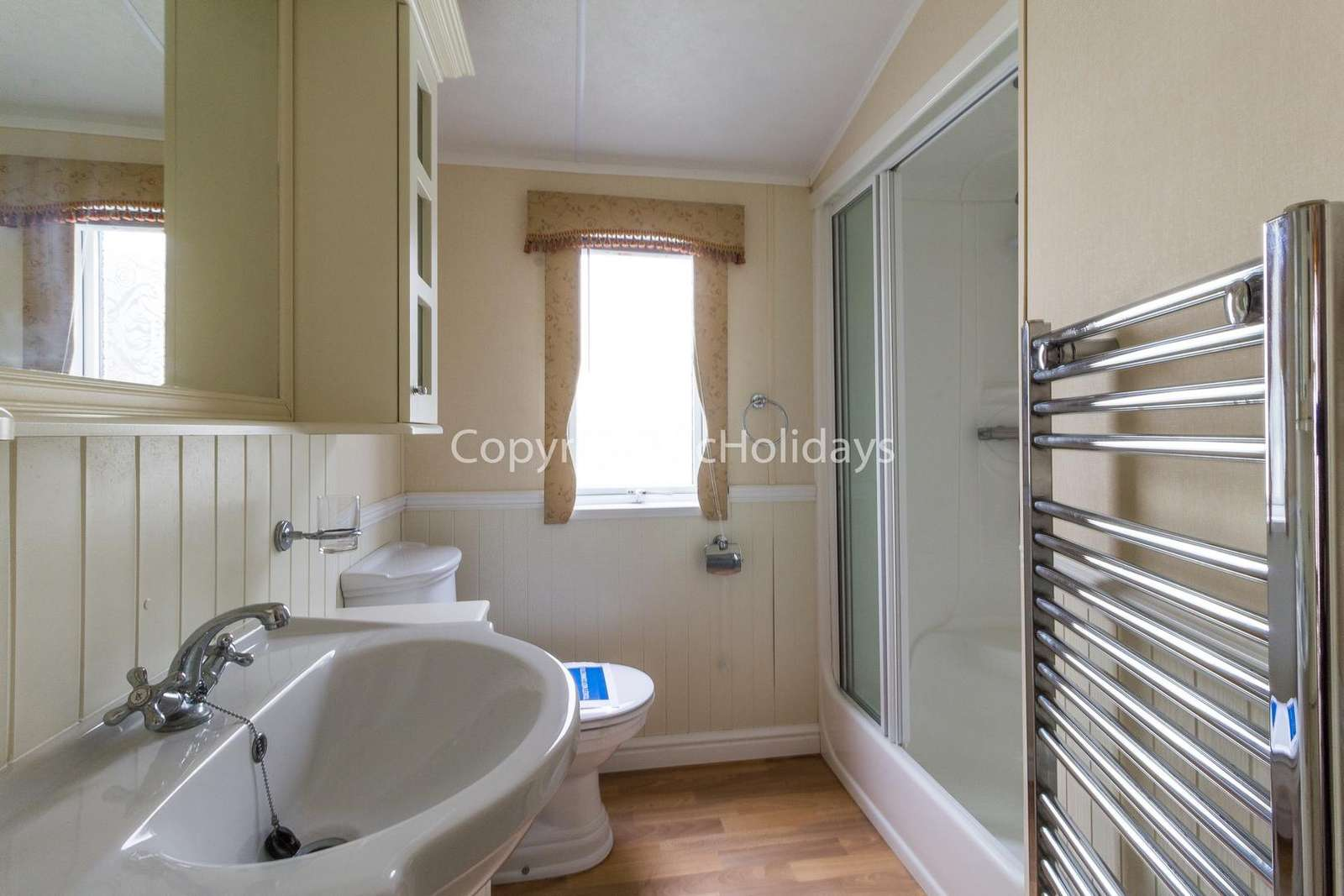 A great size family washroom