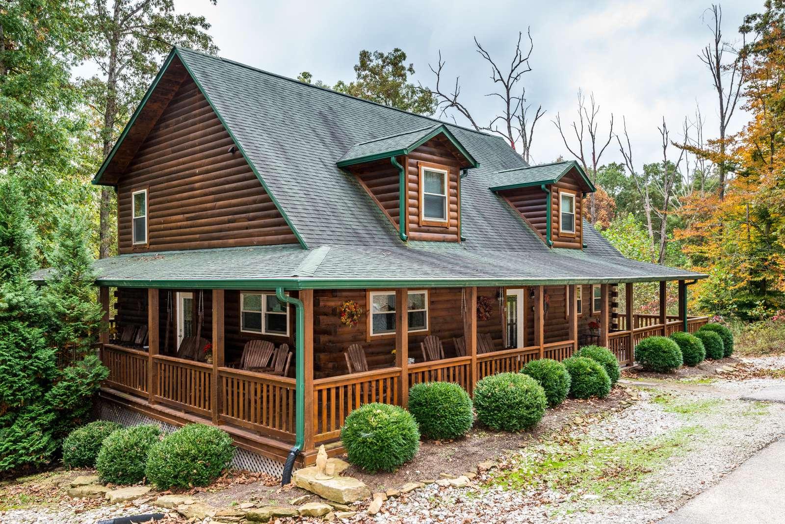 A Hidden Treasure Log Cabin - property