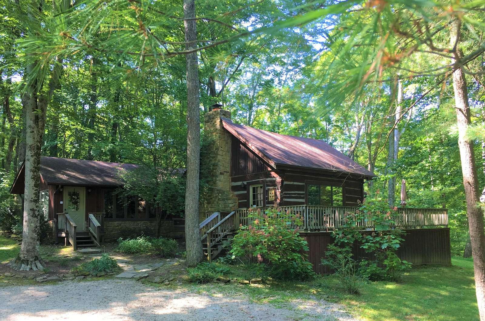 Maple Hills Log Cabin - property