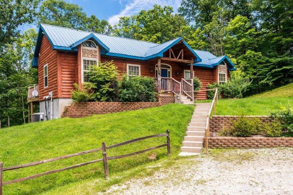 Liberty Log Vacation Cabin - property