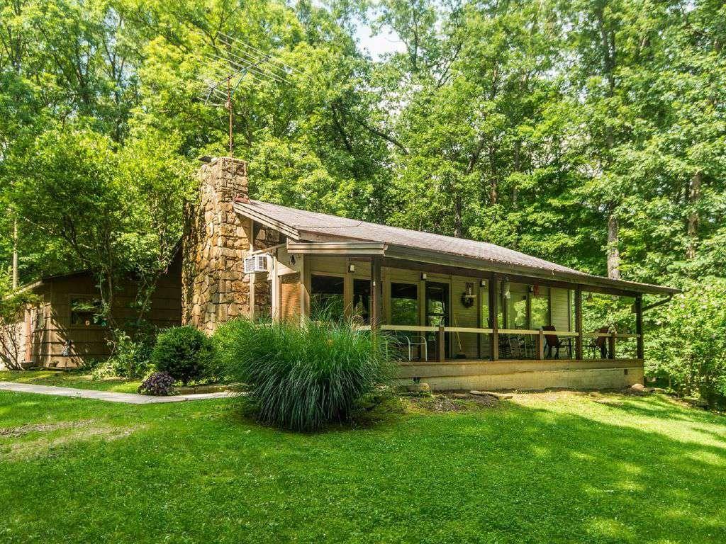 Redwood Log Vacation Cabin - property