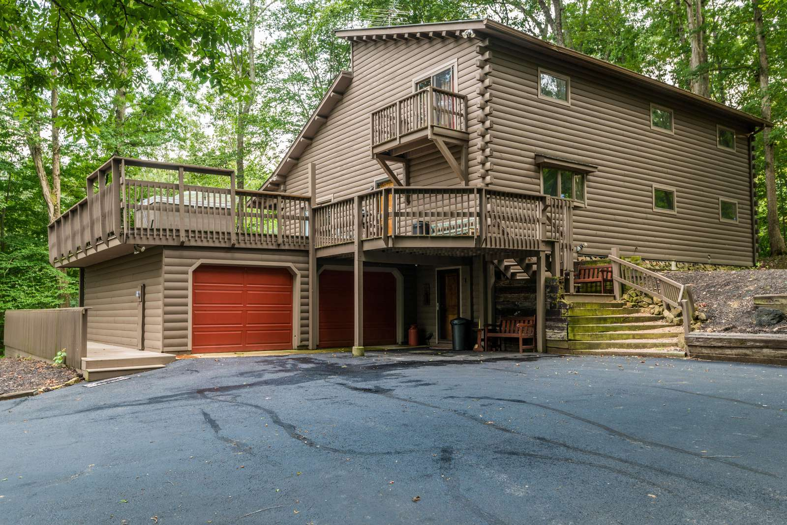 Cliff Creek Vacation Cabin - property