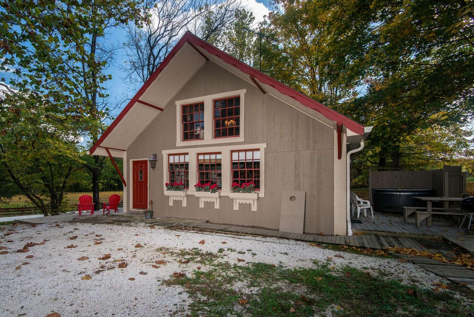 Cottage on Salt Creek - property