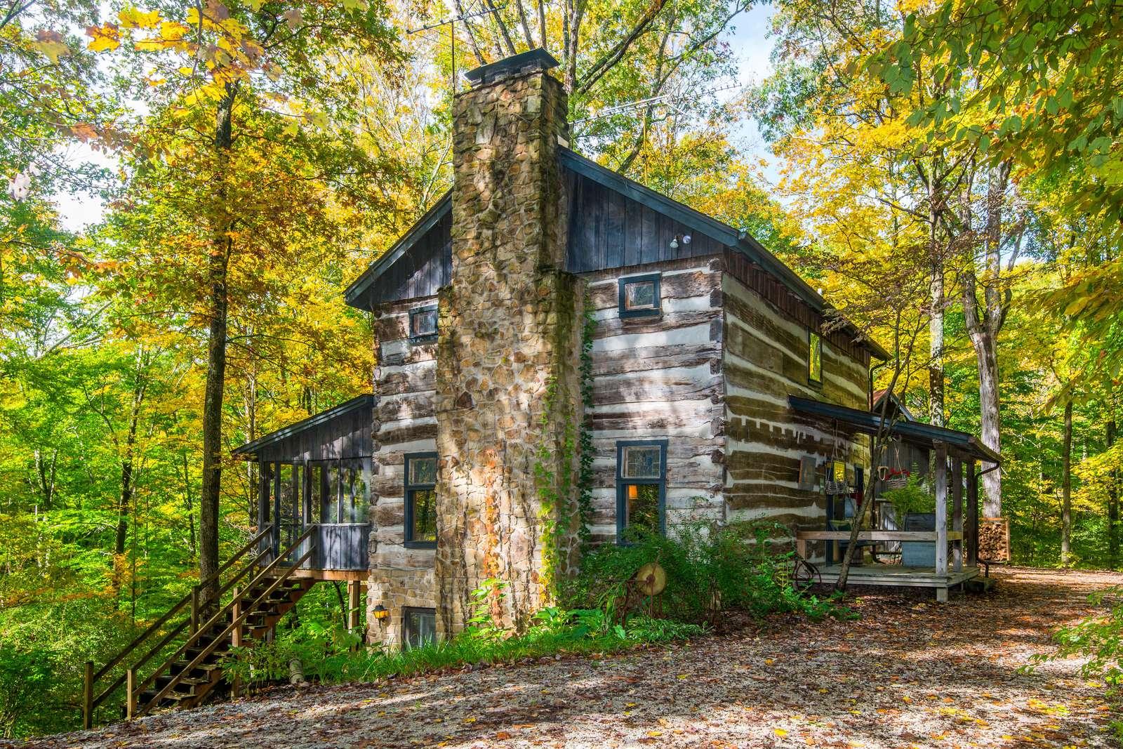 Covered Bridge Log Cabin - property