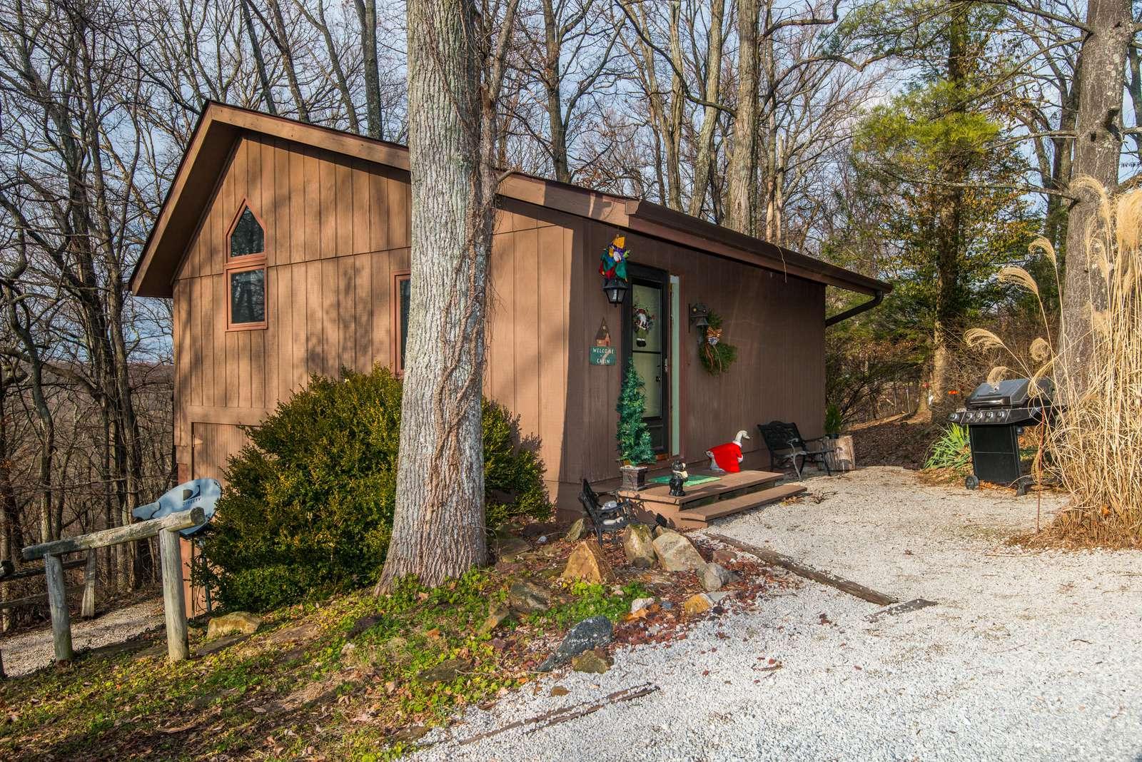 Dogwood Crossing Cabin - property