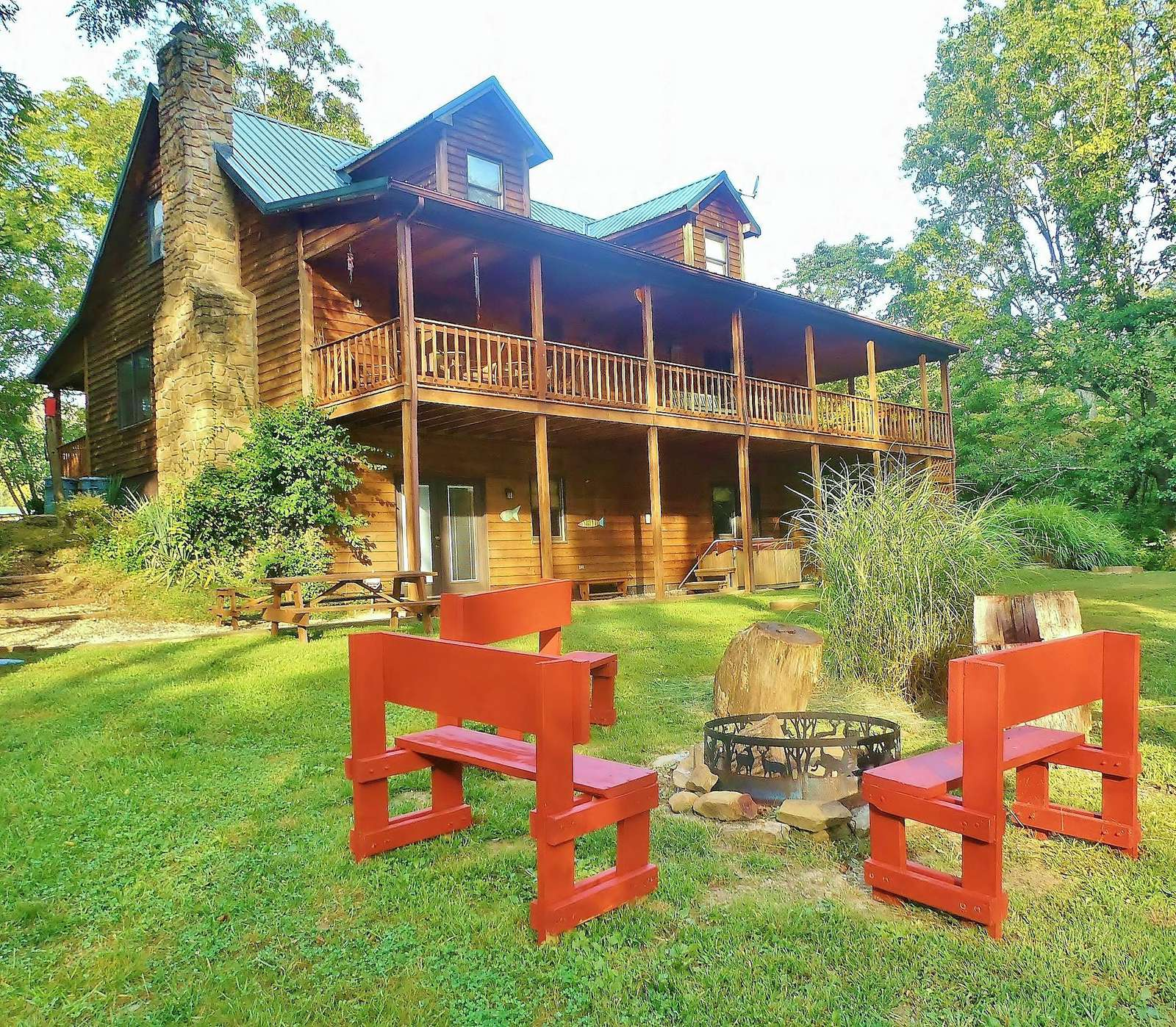 Enchanted Lake Lodge - property