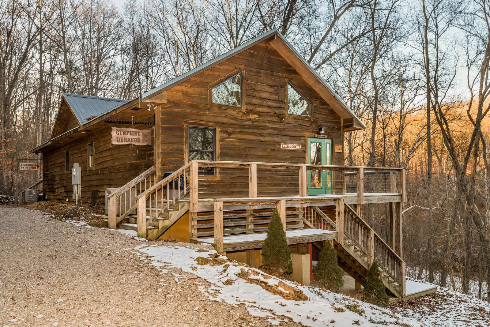 Brown County Tree House - property