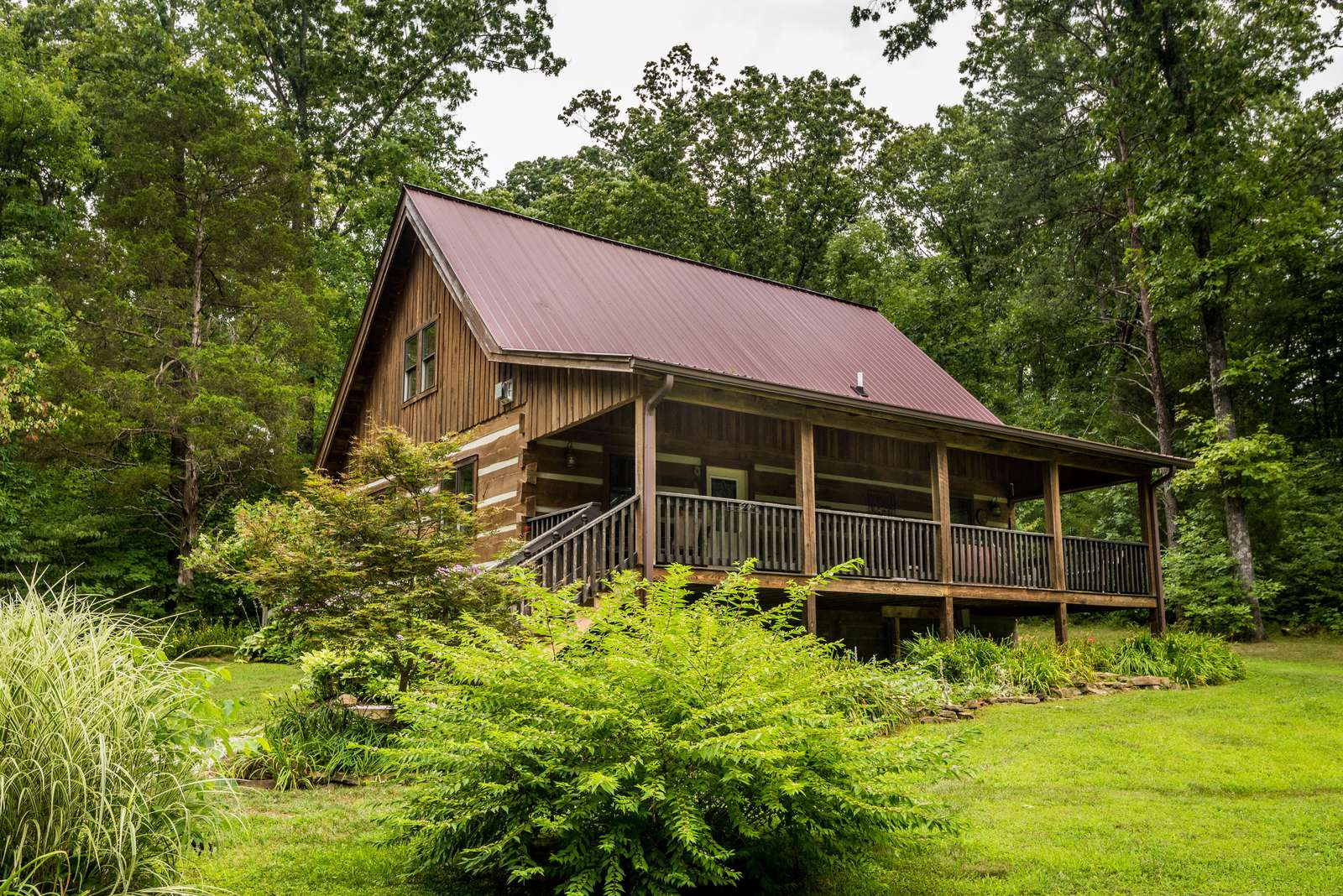 Boondock Vacation Log Cabin - property