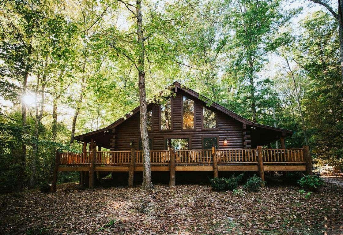 Hilltop Hideaway Log Cabin - property