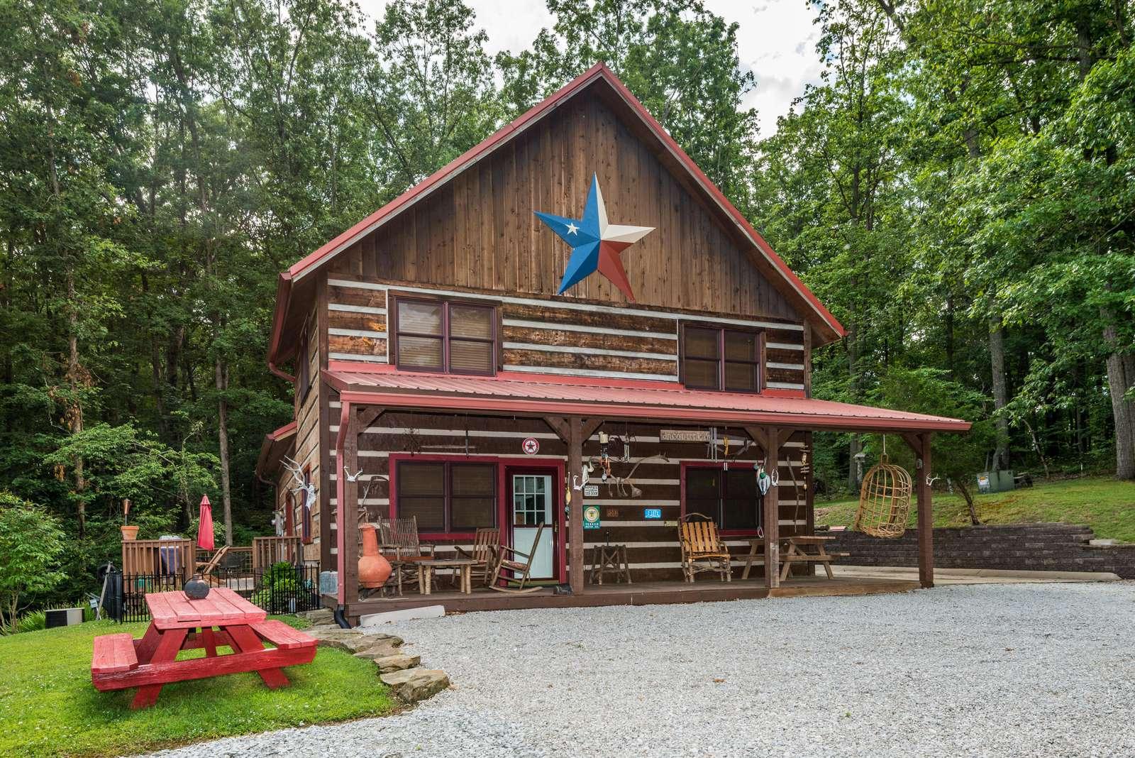 Lonestar Vacation Cabin - property