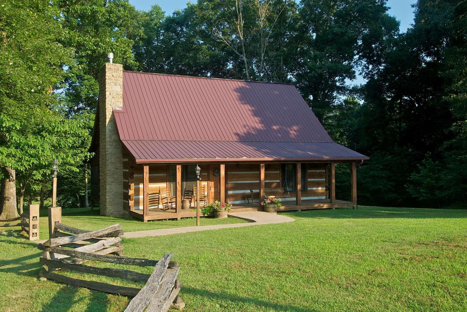 Schooner Creek Log Cabin - property
