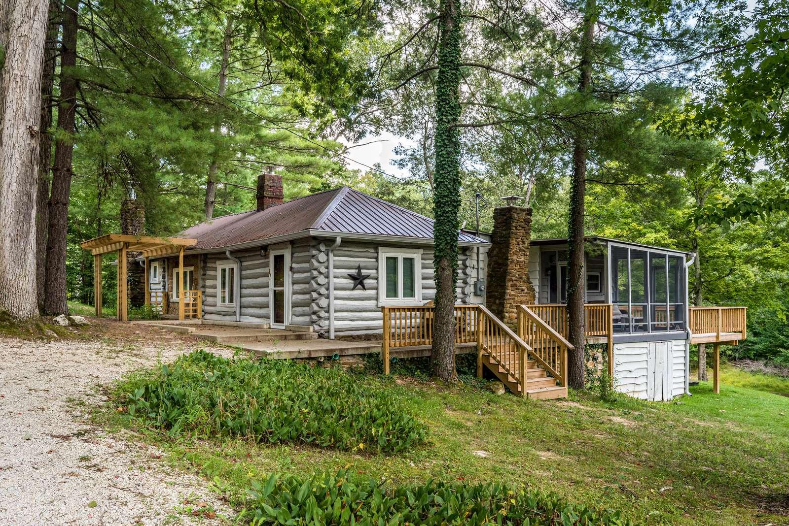 Serenity Vacation Log Cabin - property