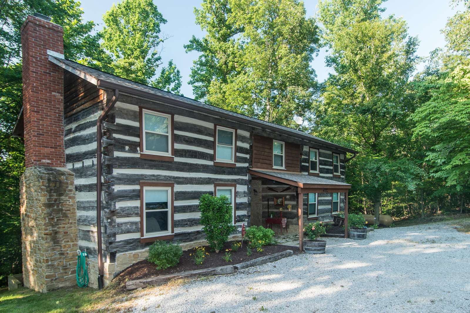 Southern Comfort Log Cabin - property