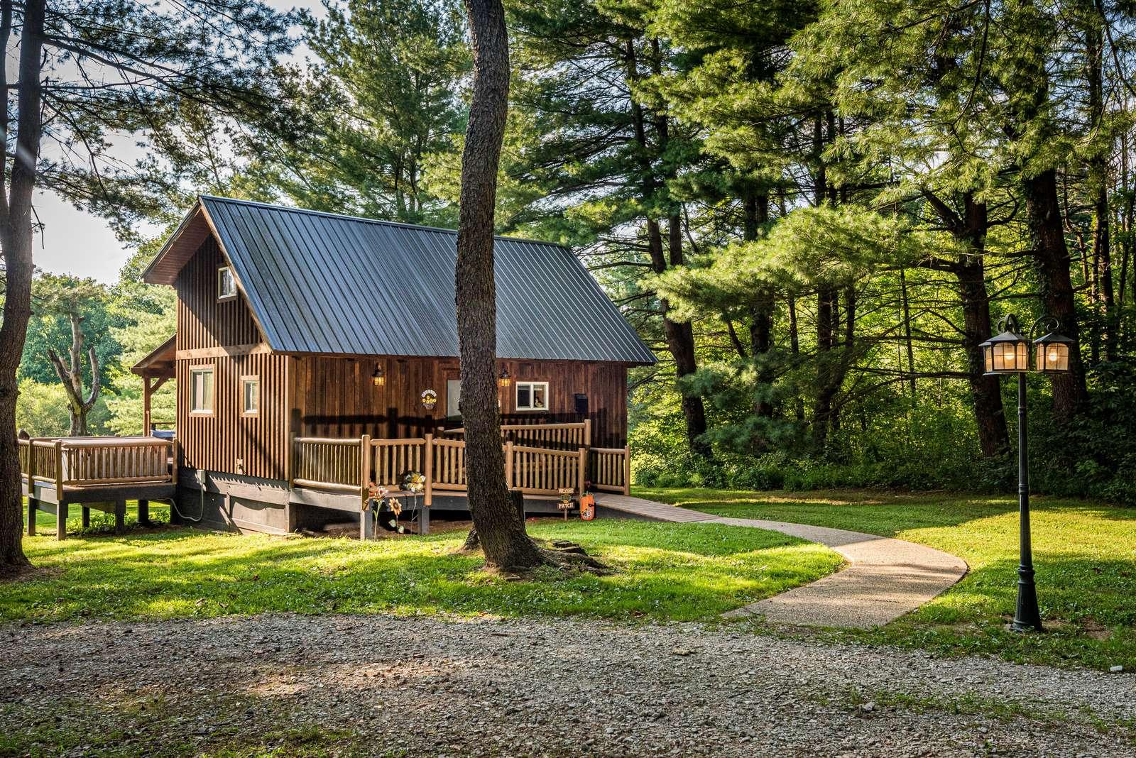Stephen's Creek Log Cabin - property