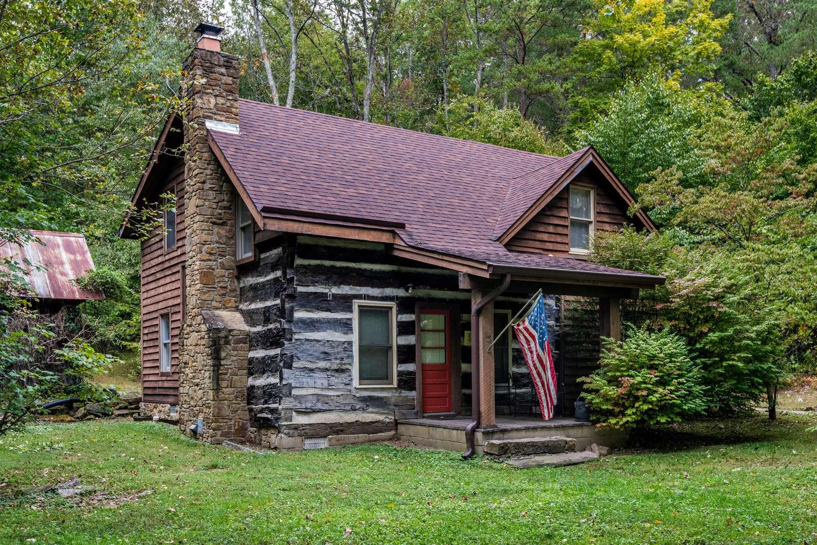Storybrook Log Cabin - property