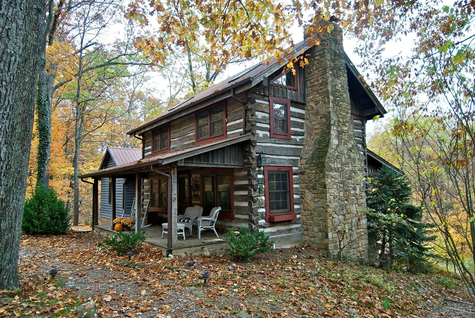 Wildflower Ridge Log Cabin - property