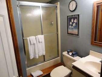 lower floor full bath thumb