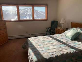 Private top floor master with queen bed - wake up to the views! thumb