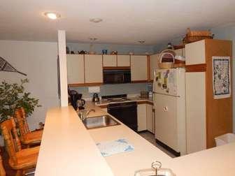 spacious kitchen thumb