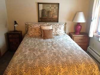 3rd bedroom upstairs - queen bed thumb