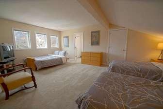 top floor bedroom: 2 twins and 1 full futon thumb