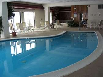 Pool and hot tub in amenities center thumb