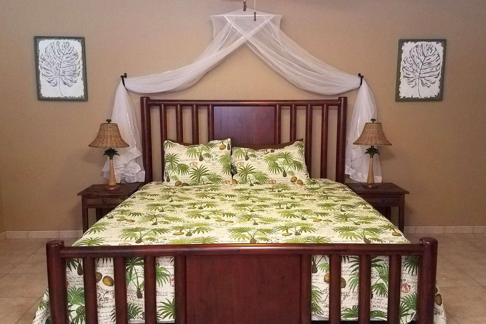 King Bed in Casita