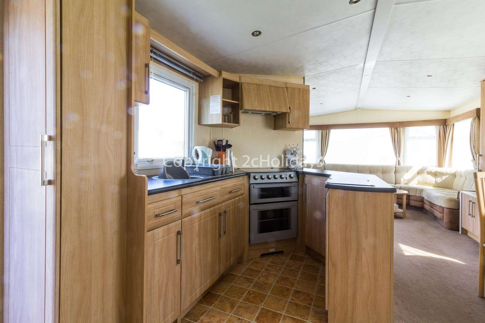 Well equipped kitchen, perfect for self-catering holidays!