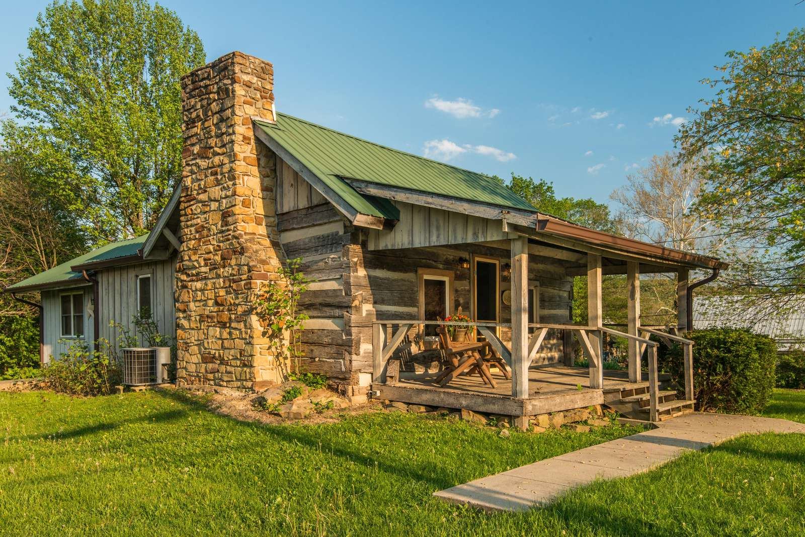Bean Blossom Vacation Cabin - property