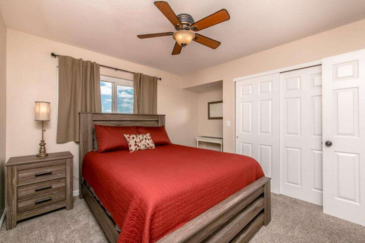 Guest Bedroom 1- Queen
