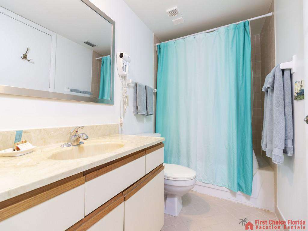 Colony Reef 3101 Bathroom