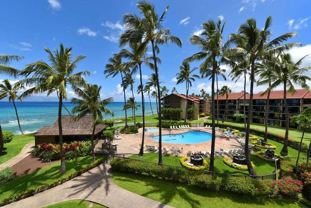Papakea Oceanfront Resort E403 - property