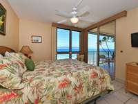 Oceanfront Bedroom with door to Lanai thumb