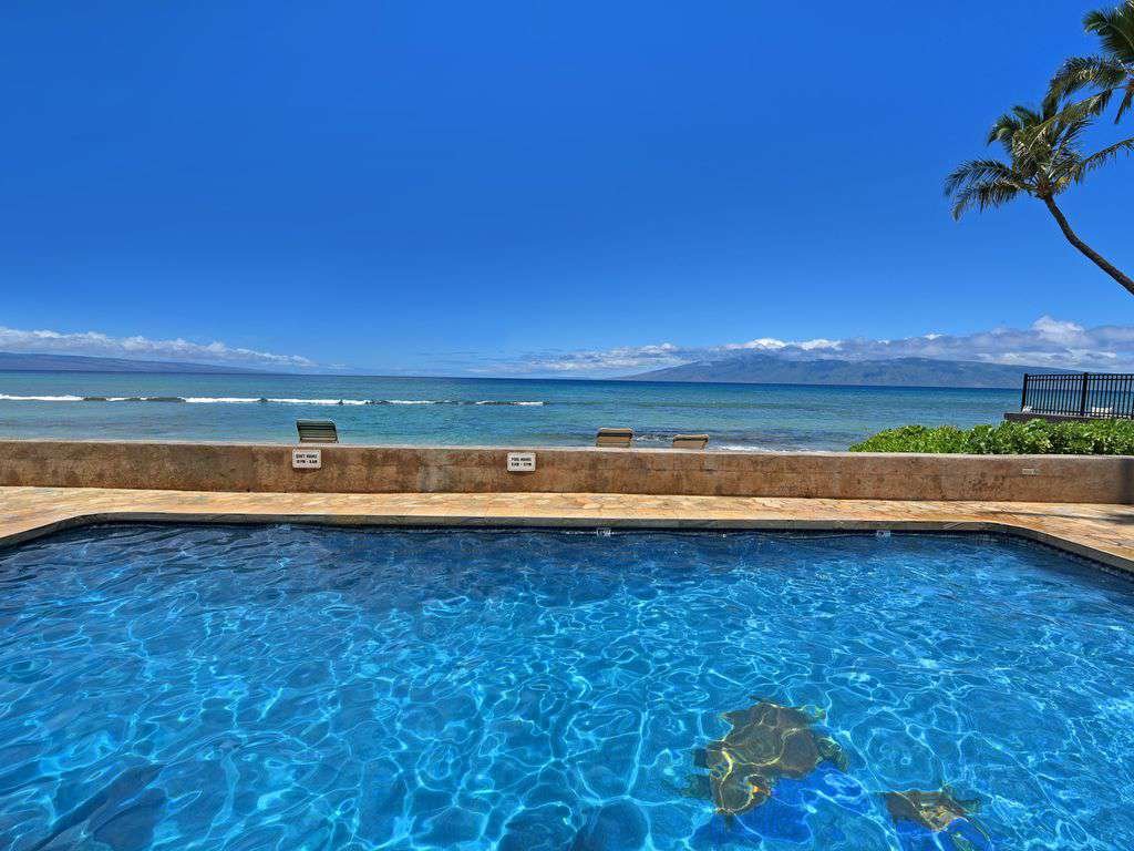 OCEANFRONT with views  of Molokai And Lana'i