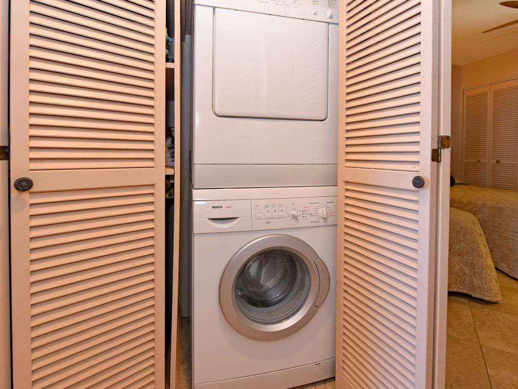 In Unit Bosch washer and Dryer