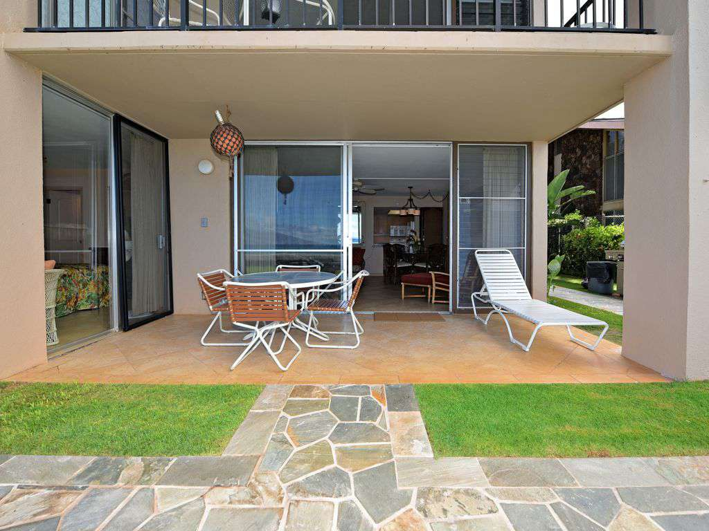 Units Corner Lanai by BBQ's, off Living room and Master