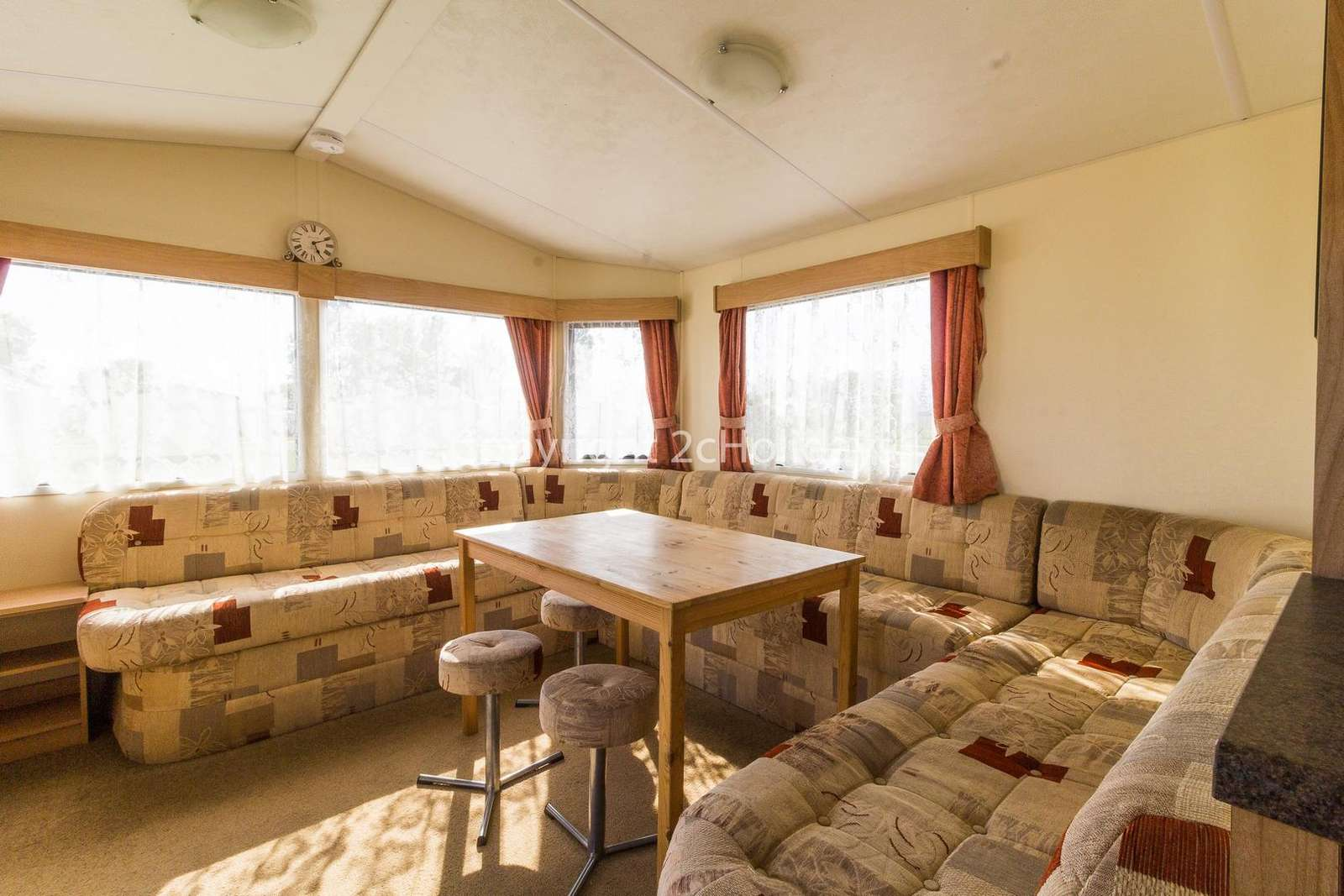 Spacious living/dining area, ideal for families!