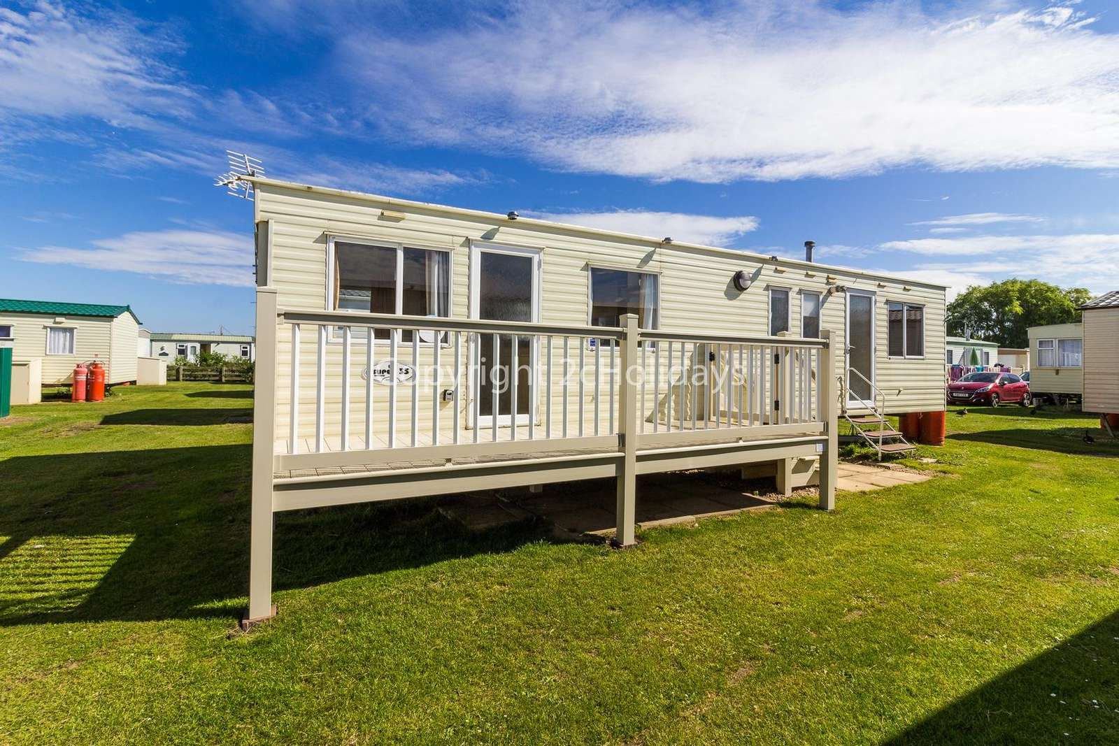 Gated decking, great for dogs in this pet friendly accommodation! - property